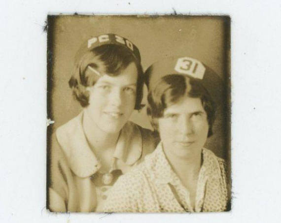 1920s vintage photobooth image of two women