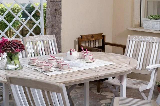 Vecchie scale in legno, una volta riverniciate,. I Giardini Shabby Chic Vintageit Il Blog Vintage Italiano