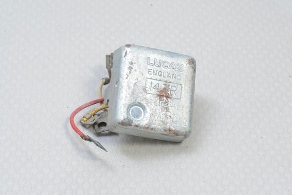 Jaguar AAU2870 - XJ6/XJ12 14 TR Voltage Regulator (Lucas 37610), NOS