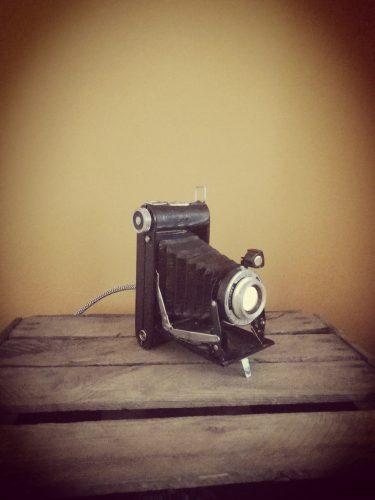 old photo camera incl lamp