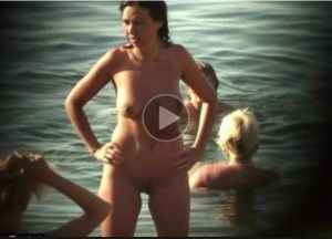Milf Nude Mom in the Beach! Waiting for the Right Guy!