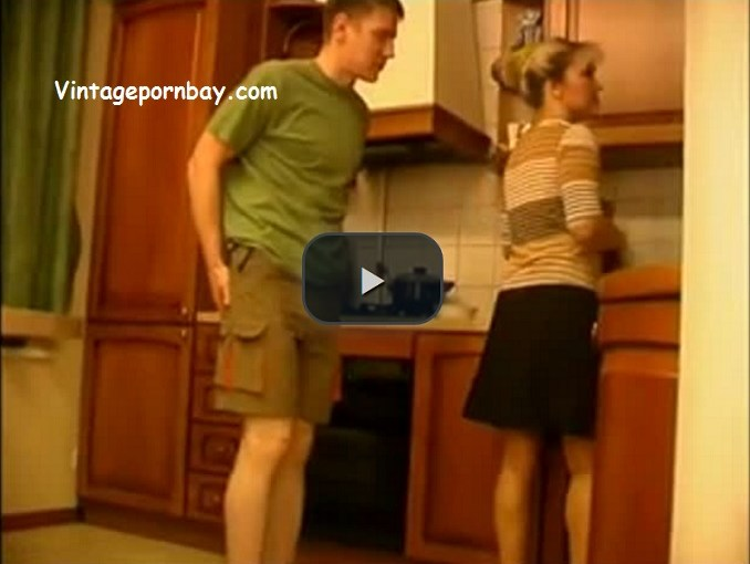 Hot Amateur Stepmommy in her kitchen!