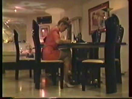 Valy Verdi - Les cuisses ouvertes de la logeuse_Sc03.avi_snapshot_00.07_[2017.05.08_13.27.36]