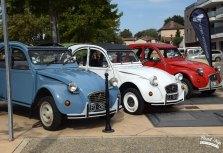 Rassemblement de véhicules anciens à Genas