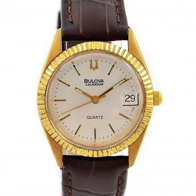 Vintage Bulova Calendar Quartz Gold Plated Ladies Petite Watch