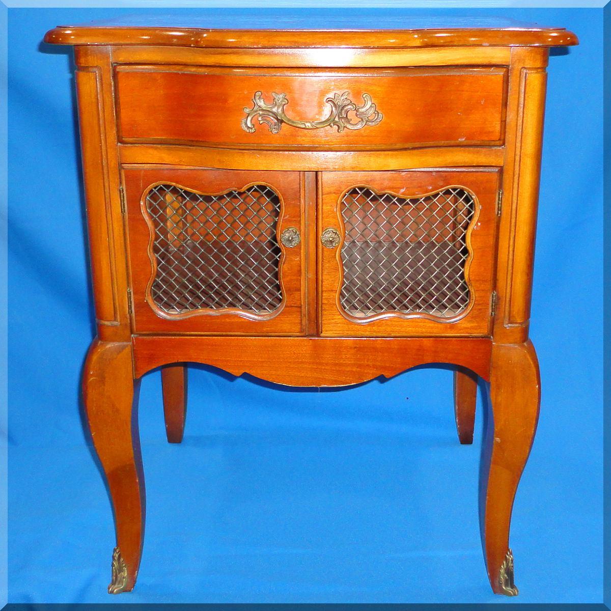 Kent Coffey Cherry Wood Vintage Bedroom Furniture The