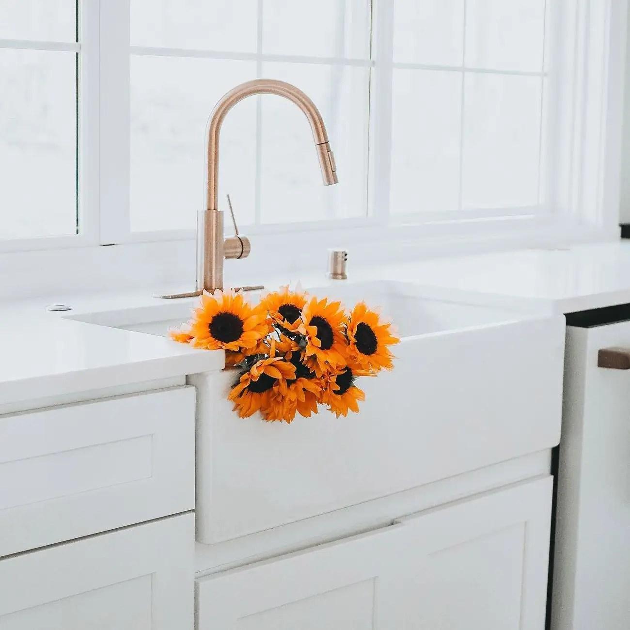 33 inch plain front fireclay reversible apron farmhouse sink white