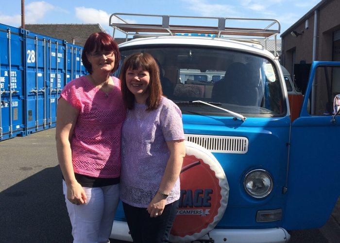 Lyn & Christine do Rewind