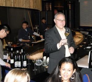 Sushi und Wein im Restaurant Busy Suzi in Hongkong mit Weinakademiker Stephan Jurende als Referent