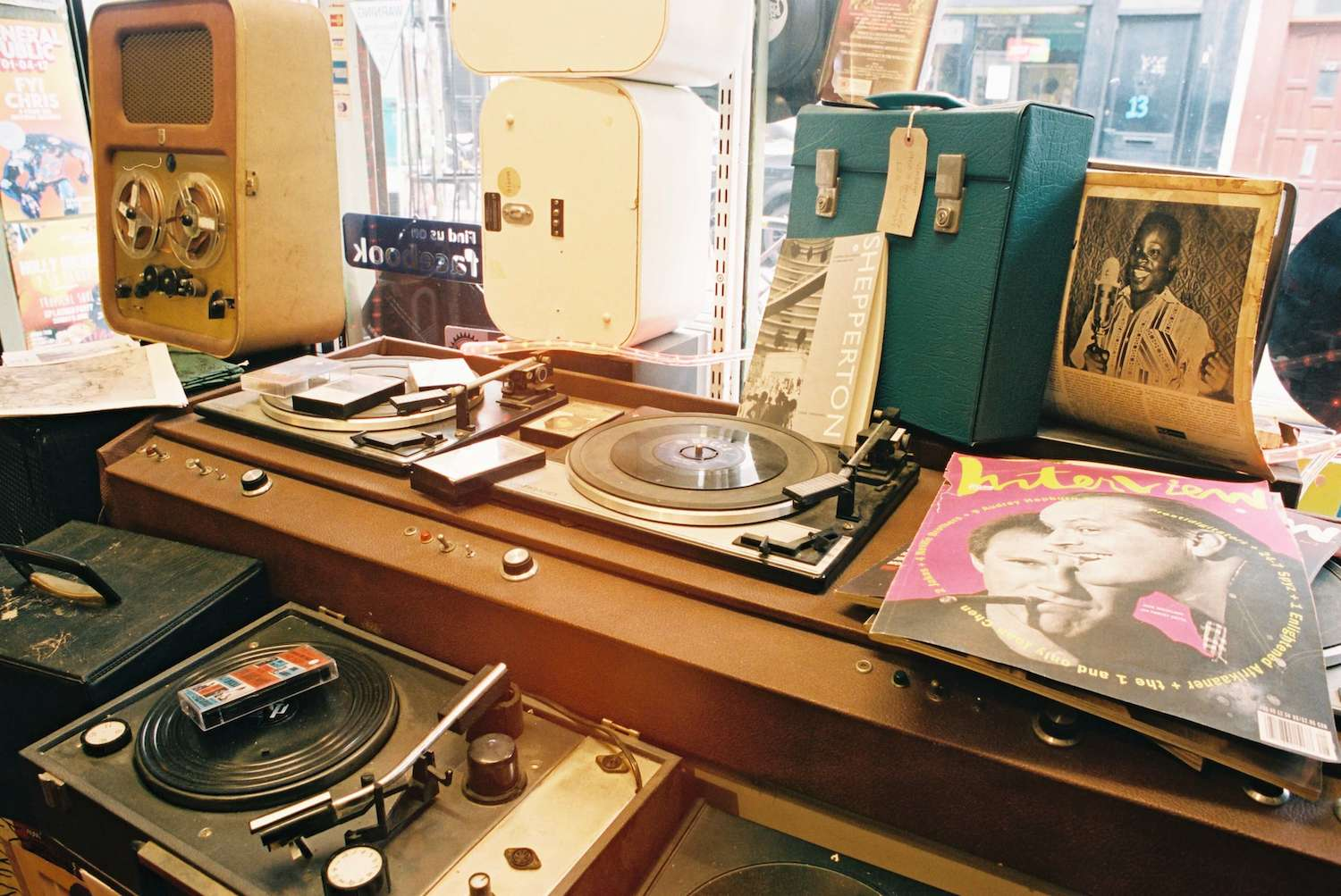 Record Worth £2,000 Found in Local Charity Store for £1.99