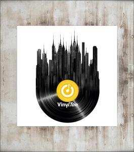 VinylTon-Schlechtwettertip Kasten ausräumen