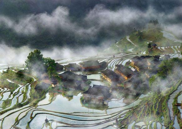 Pueblo en la neblina, China (Thierry Bornier).