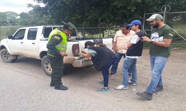 Policía ambiental comprometida con el no atropello de fauna silvestre.