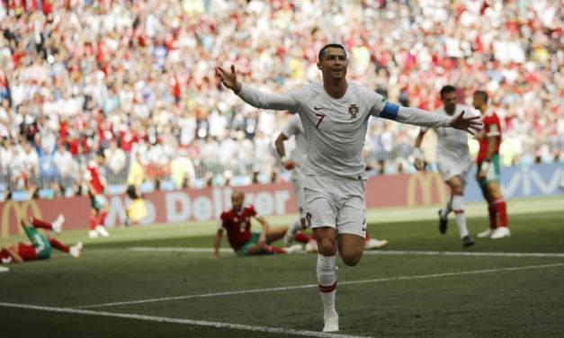 Marruecos llora su eliminación tras un gol de un Cristiano imparable