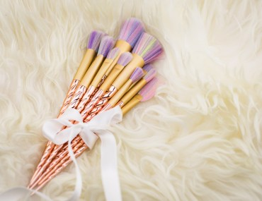Foto-by-Nadja-Nemetz-Wien-wienerblogger-blogger-beautyblogger_lifestyleblogger-lifestyle-beauty-newin-new-in-musthaves-must-haves-unicorn-einhorn-brushes-makeupbrushes-makeup-schminkpinsel-einhornpinsel-regenbogenpinsel-1