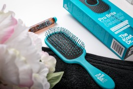 1600-Nadja-Nemetz-NadjaNemetz-Violetfleur-Violet-Fleur-Blog-Wien-WienerBlog-Beauty-Fashion-Lifestyle-Modeblog-Beautyblog-Fotografin-Bloggerin-swatches-test-review-newin-the-knot-doctor-paddlebrush-theknotdoctor-haarbuerste-hair-haircare-2