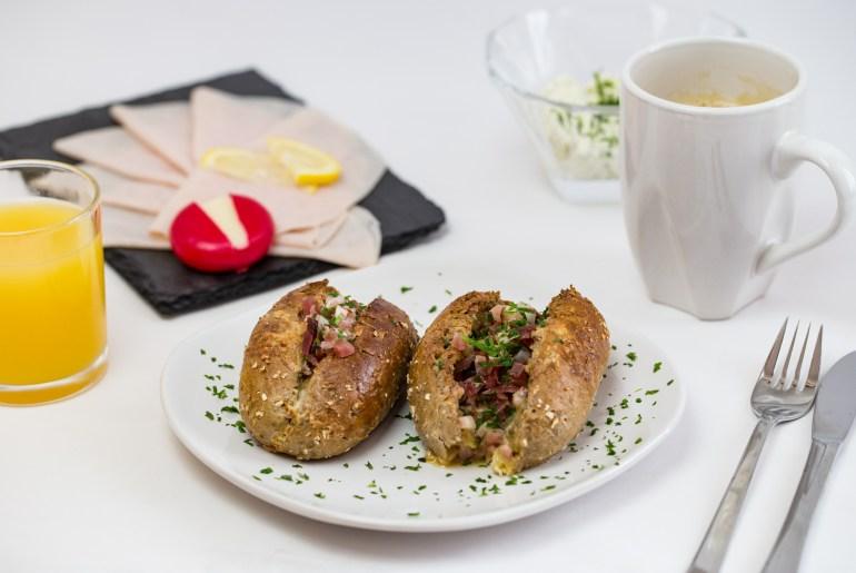 Nadja_Nemetz_Rezept_Vollkornweckerl_Fruehstuecksweckerl_bacon_egg_eier_speck_fruehstueck_1