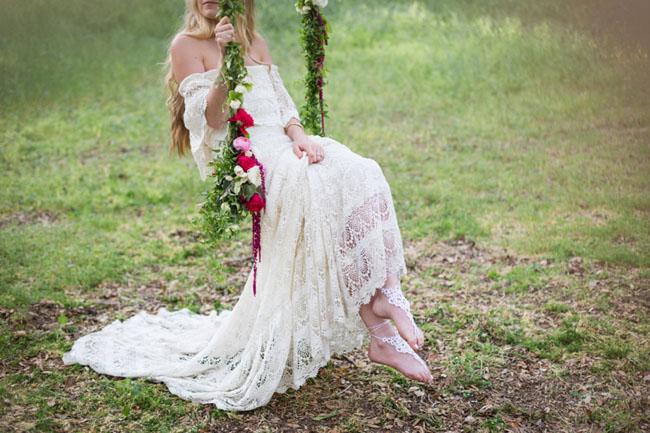 Weddings: Romantic Floral Tree Swings - bridal inspiration