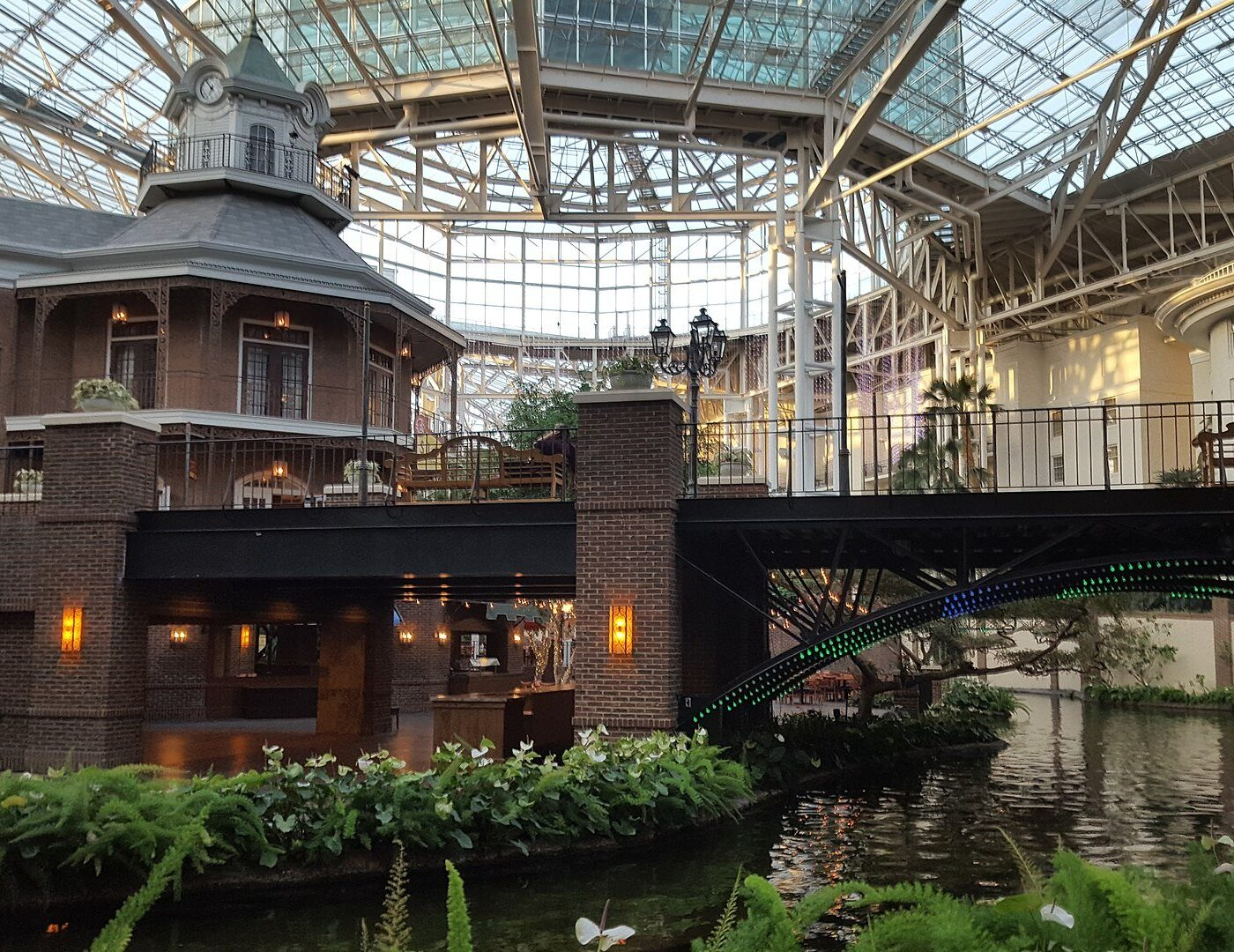 Gaylord Opryland Resort and Convention Center, Nashville, Tennessee (Photo Credit: Wikipedia)