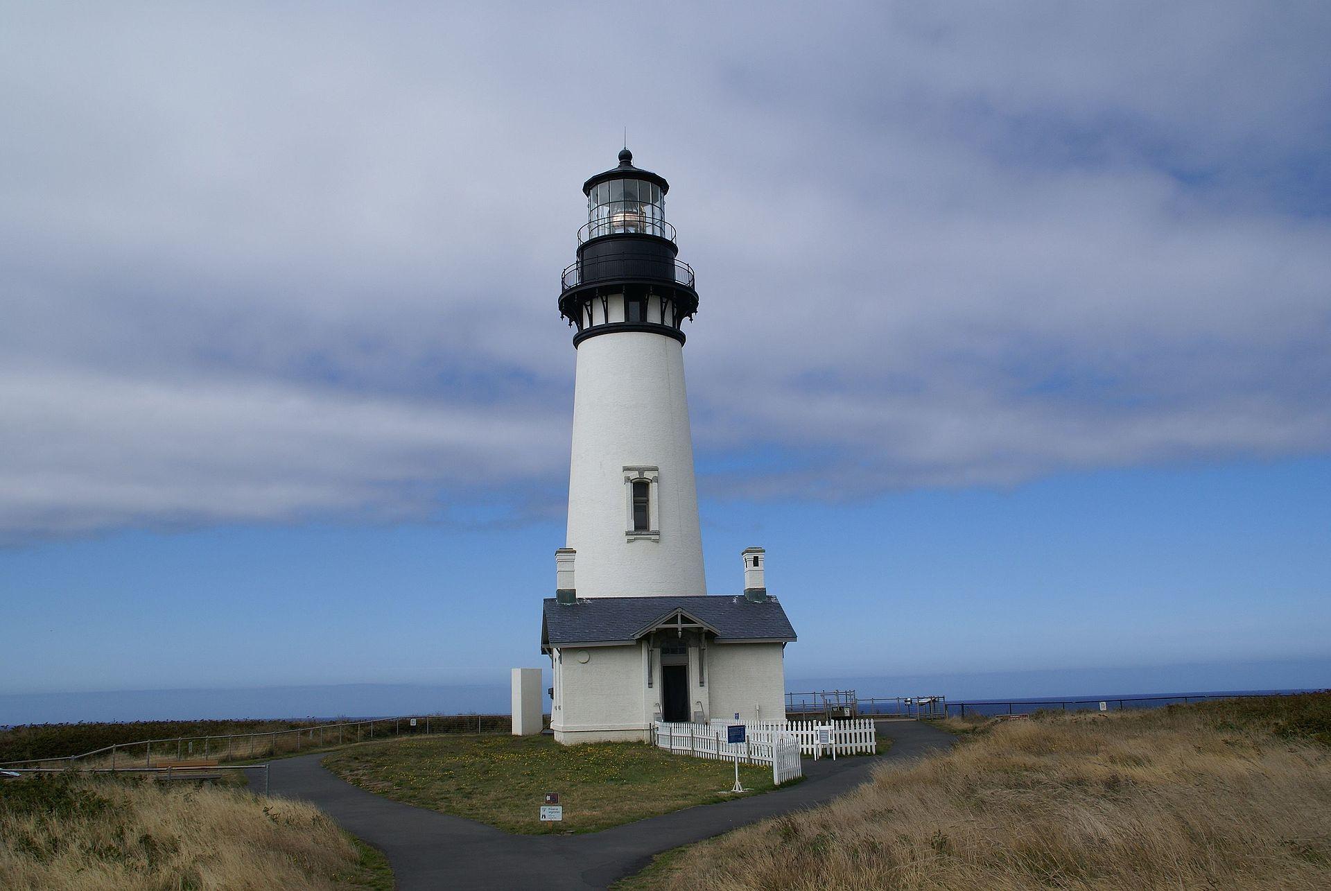 Yaquina Head Light, Newport, Oregon (Photo Credit: Wikipedia)