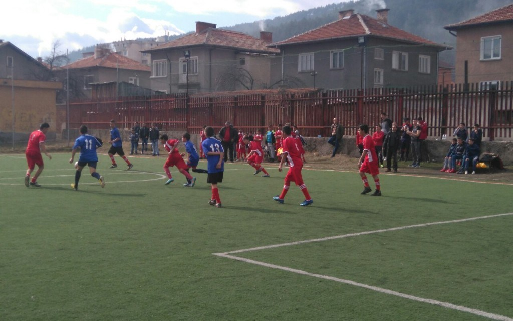 Ясни са най-големите и най-малките финалисти от ученическите игри по футбол