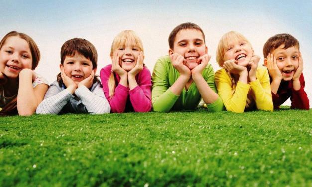 БЛИЗО 8 000 ДЕЦА СА ПОЖЕЛАЛИ ДА ХОДЯТ НА УЧИЛИЩЕ ЗА ПЪРВИ ПЪТ