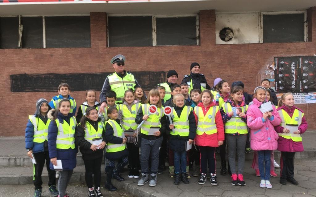 """При изключителен интерес и ентусиазъм у децата протичат инициативите по проекта """"Детско полицейско управление"""" на територията на цялата област"""