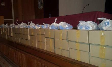 Кмета Коев подсигури хранителни продукти на 30 лица в неравностойно положение