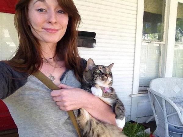 18隻家貓第一次到室外時的反應,好像首次上學的小孩!#15你太害羞了吧?