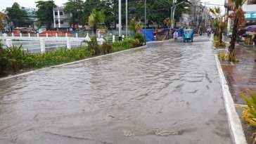 Boracay Main Road Flooding photos by Trish Tatoy