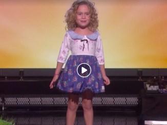 lille pige synger viralt