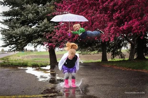 niño-sindrome-down-vuela-fotos-lluvia