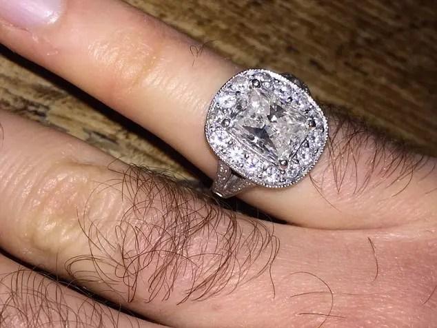 regresa-anillo-de-diamantes-5