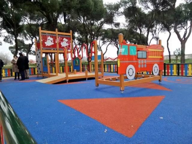 parque-para-ninos-con-discapacidad-espana5 (1)