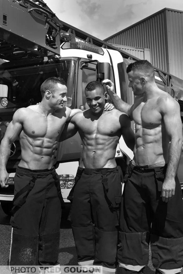 sensuales-bomberos-franceses-calendario-de-caridad-5