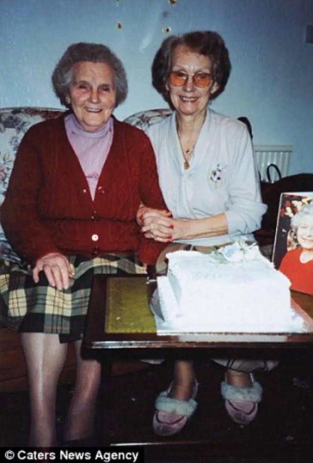 gemelas-cumplen-100-anos-01
