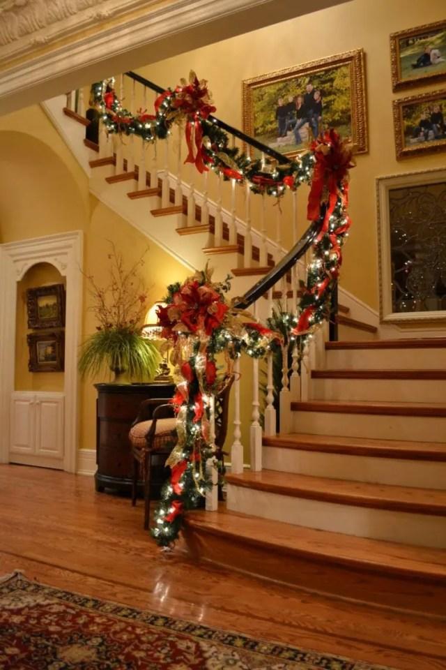 decoracion-navidena-escaleras-y-corredores-12