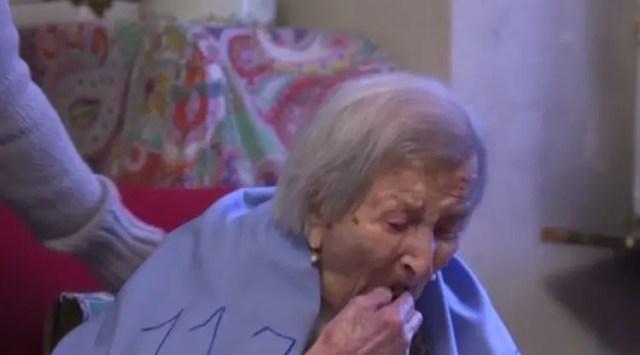 mujer-mas-vieja-secreto-2