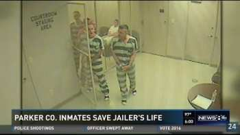 Inmates Save Prison Guard After He Passes Out