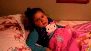 Little Girl Throws Temper Tantrum After Jessica Sanchez Loses American Idol 2012