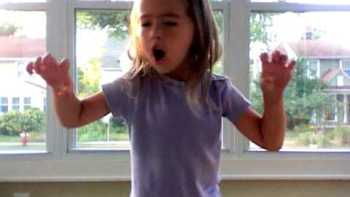 Little Girl Screams This Is What A Dinosaur Feels Like