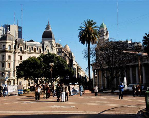 Buenos Aires – İlk İzlenimler, Birkaç Gözyaşı ve Dünyayı Turlayan Gemi