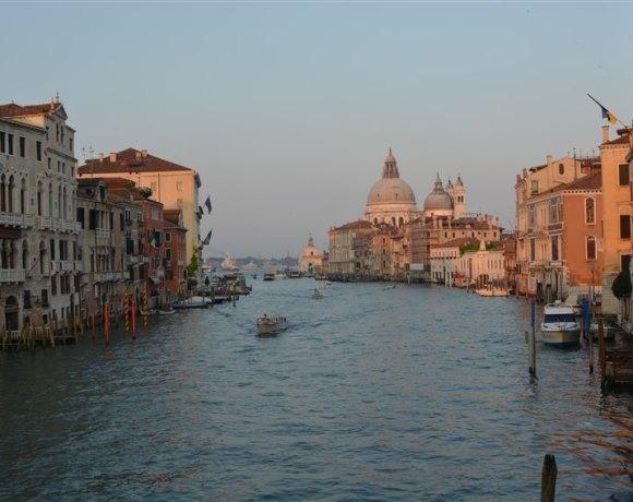 Venedik – Kartpostal İçindeki Yaşama Özlem