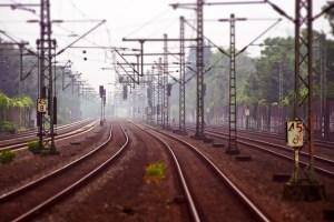 railway-tracks-3455169_960_720-300x200