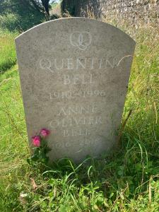Quentin and Anne Olivier Bell grave Firle
