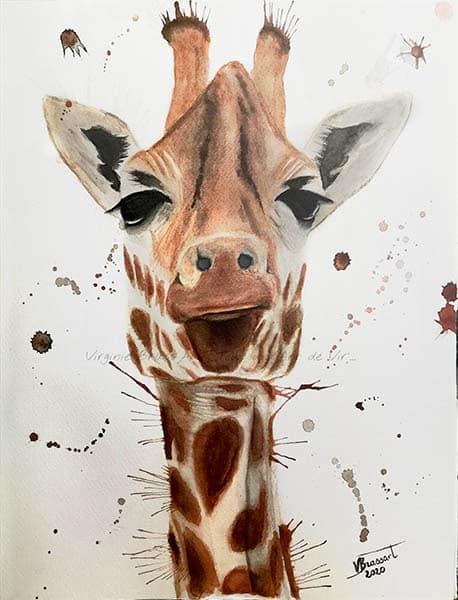 Peinture à l'aquarelle d'une tête de girafe avec projections de peintre réalisé par l'artiste peintre Virginie Brassart