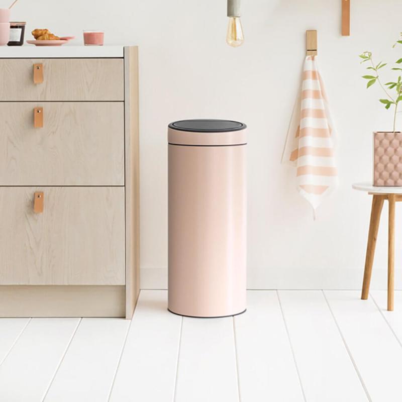 bidoni dei rifiuti di design - pattumiera rosa chiaro brabantia con chiusura soft touch