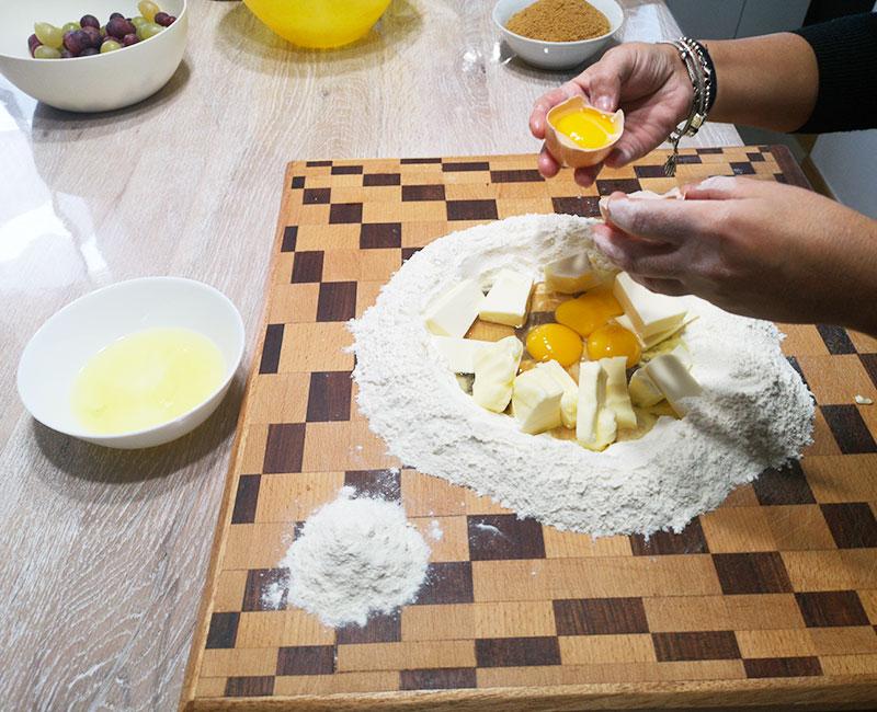 crostata con crema di mascarpone e frutta fresca di stagione uva ricetta ingredienti consigli idee virosac magazine preparazione frolla
