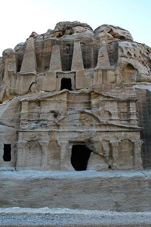 47.- Petra, Obelisk Tomb