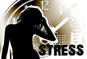 vrouw en klok met stress